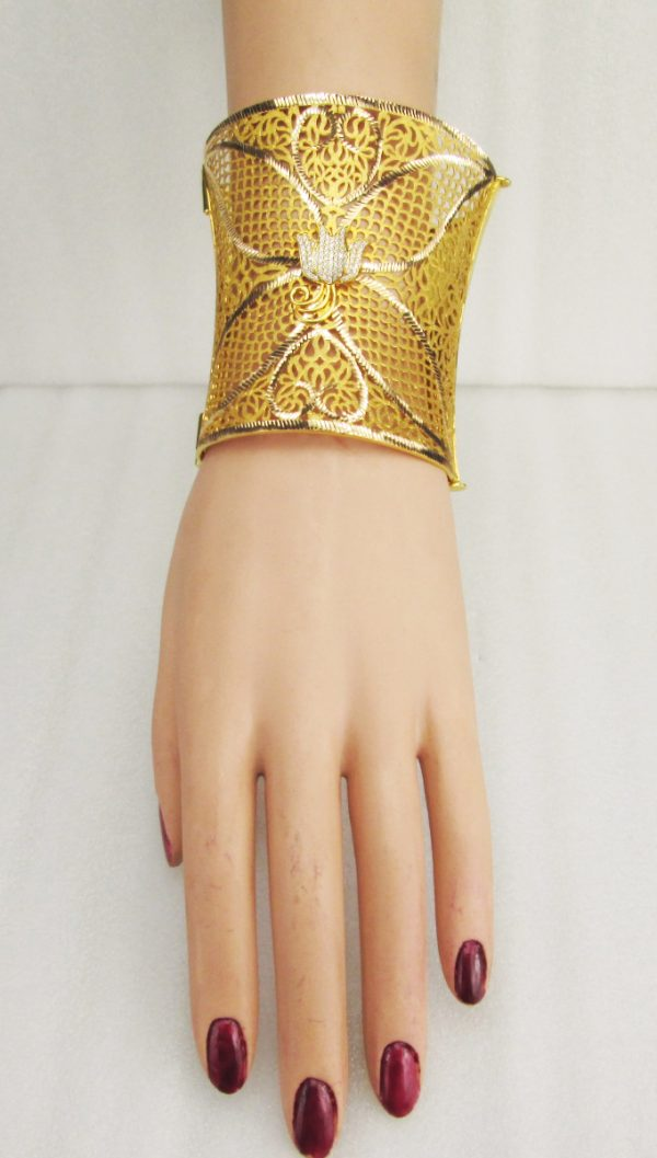 21 K Yellow Gold Fancy Bracelet